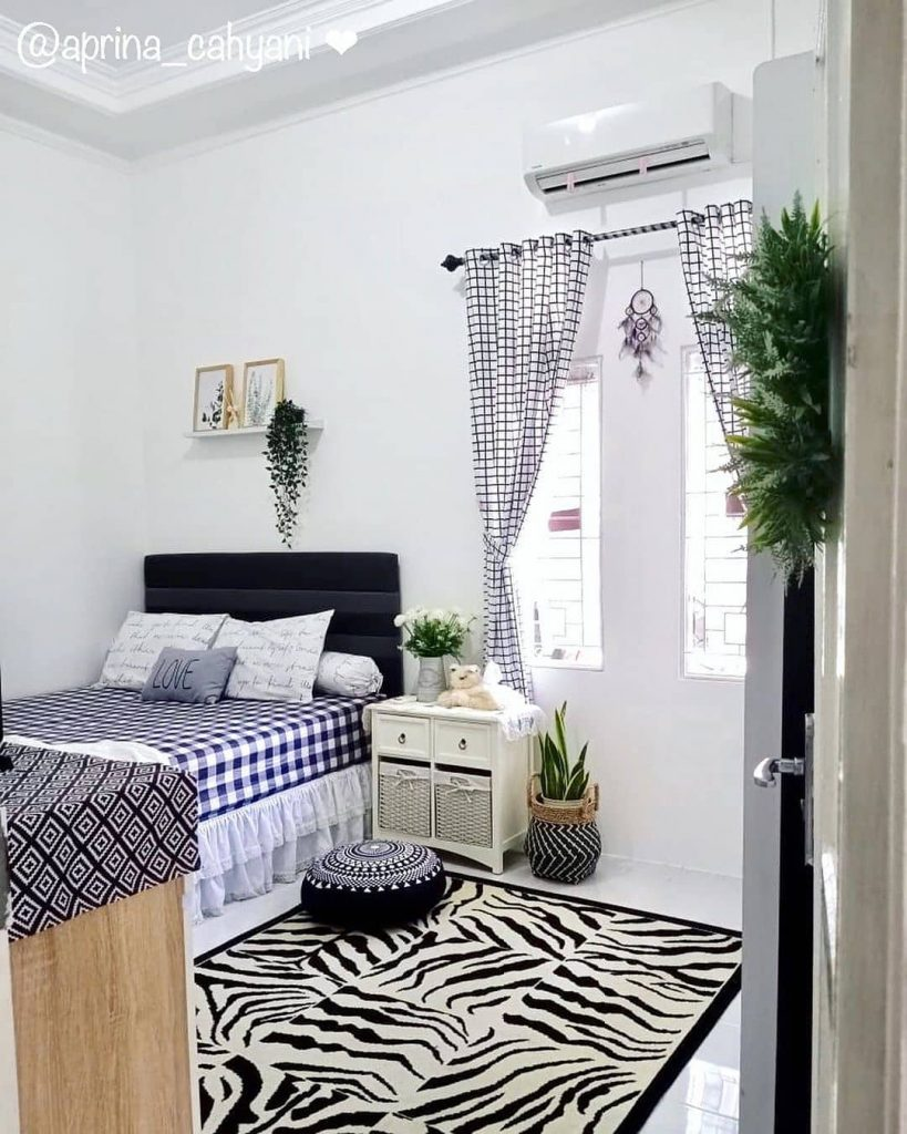 Desain Interior Kamar dengan Sentuhan Monokrom dan Bohemian yang