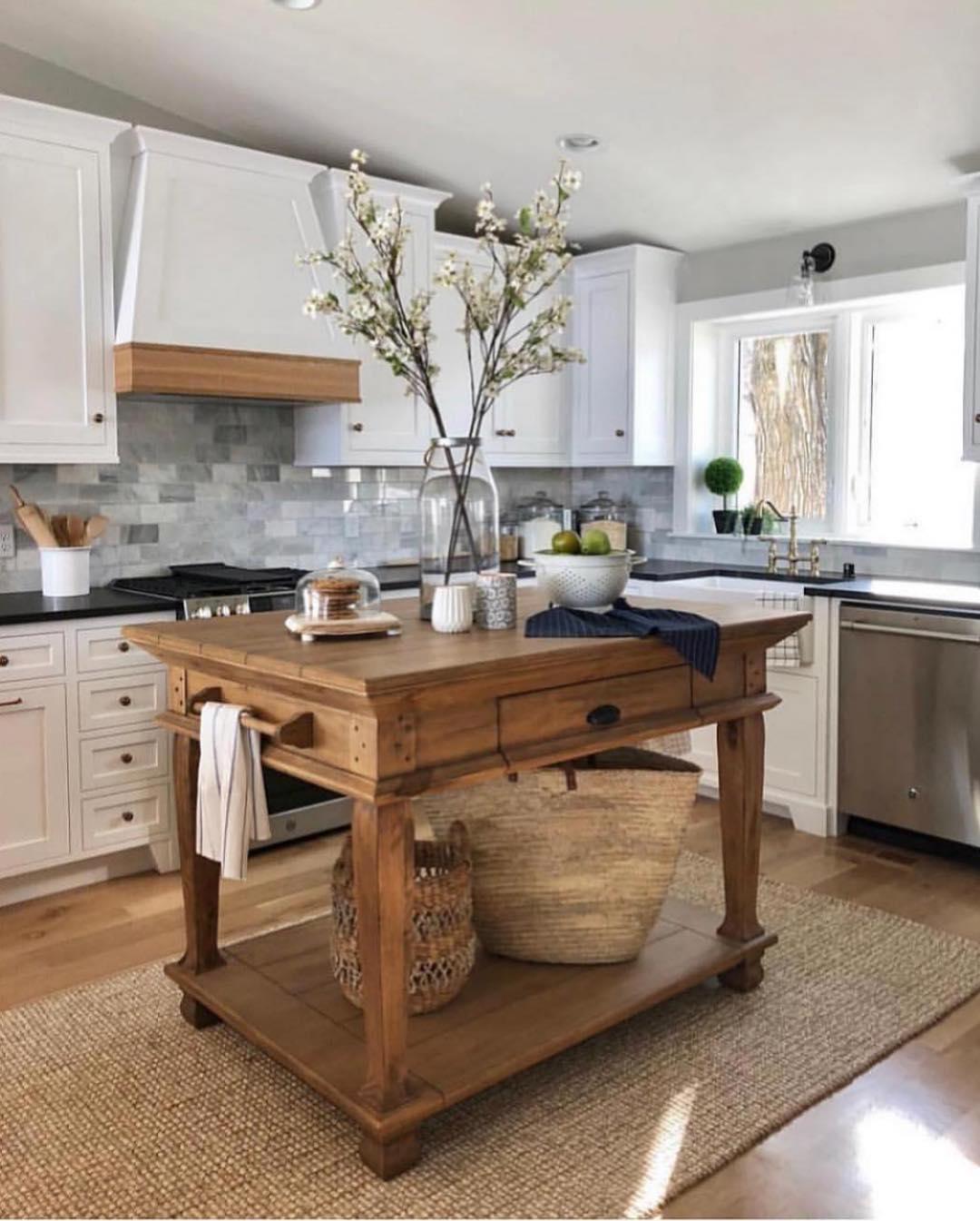 Desain Interior Dapur Ala Farmhouse yang Tampil Cantik Terkesan Klasik dan  Rustic - Inspirasi Desain Rumah Terkini